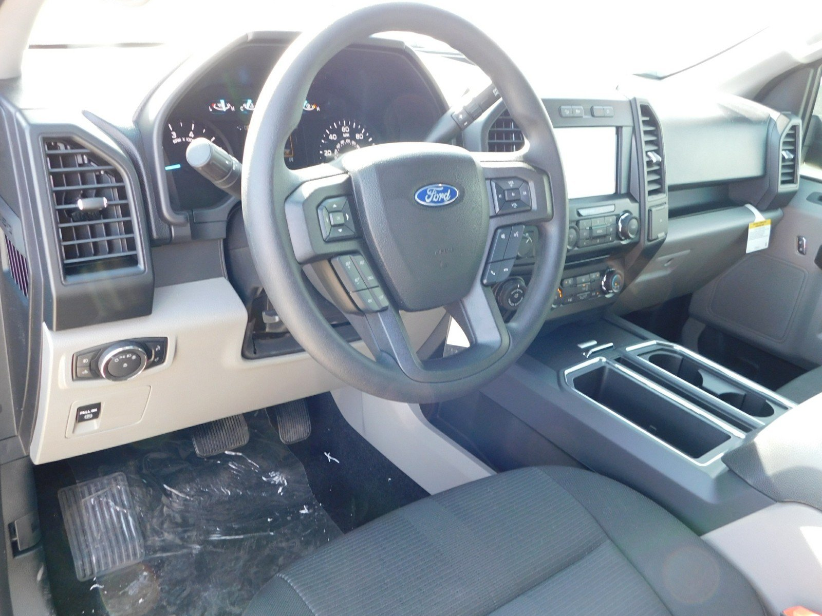 2018 F-150 Super Cab 4x4, Pickup #J180788 - photo 9