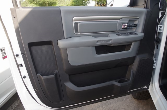 2017 Ram 3500 Regular Cab DRW,  Knapheide Service Utility Van #ND6772 - photo 8
