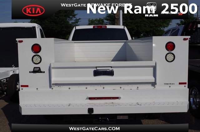 2017 Ram 3500 Crew Cab DRW 4x2,  Knapheide Service Body #ND6920 - photo 5