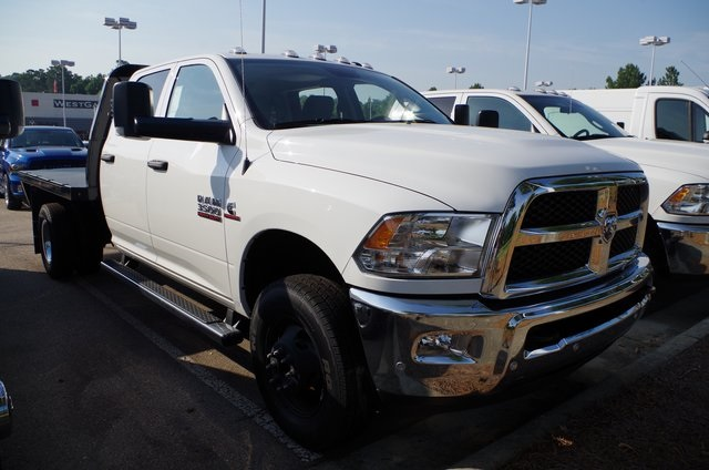 2018 Ram 3500 Crew Cab DRW 4x4,  Knapheide Platform Body #ND7291 - photo 3
