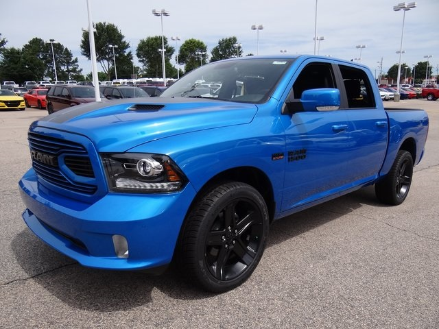 2018 Ram 1500 Crew Cab 4x2,  Pickup #ND7743 - photo 1