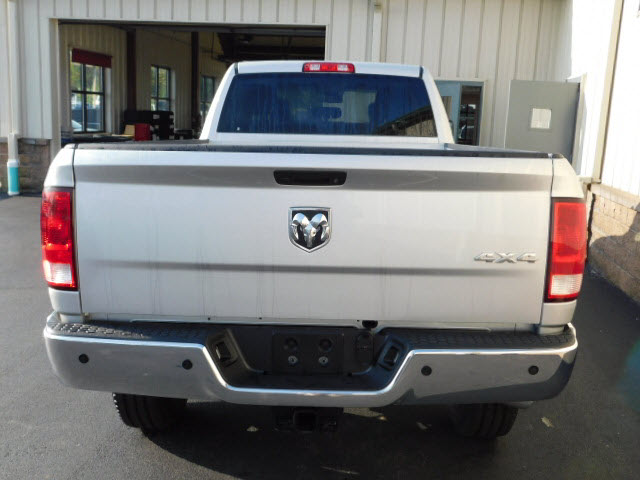2018 Ram 2500 Crew Cab 4x4 Pickup #18101 - photo 5