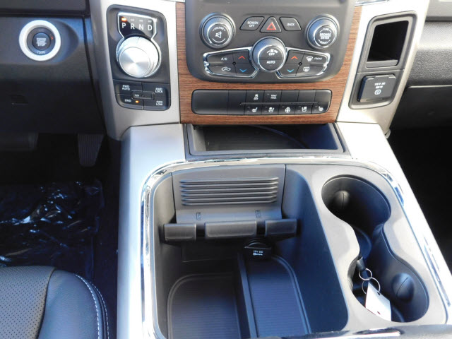 2018 Ram 1500 Crew Cab 4x4 Pickup #18130 - photo 11