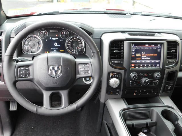 2018 Ram 1500 Crew Cab 4x4 Pickup #18270 - photo 9