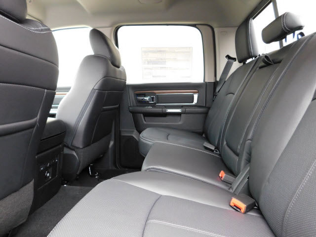 2018 Ram 1500 Crew Cab 4x4 Pickup #18290 - photo 12