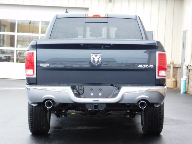 2018 Ram 1500 Crew Cab 4x4 Pickup #18290 - photo 5