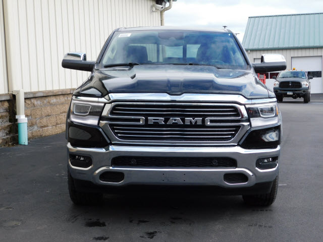 2019 Ram 1500 Crew Cab 4x4, Pickup #18599 - photo 3