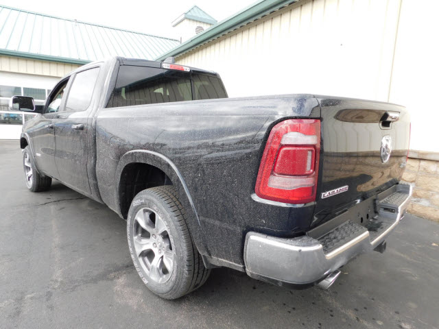 2019 Ram 1500 Crew Cab 4x4, Pickup #18599 - photo 2