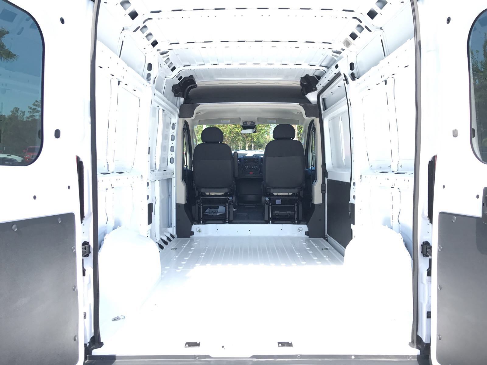 2018 ProMaster 1500 High Roof 4x2,  Empty Cargo Van #R18003 - photo 2