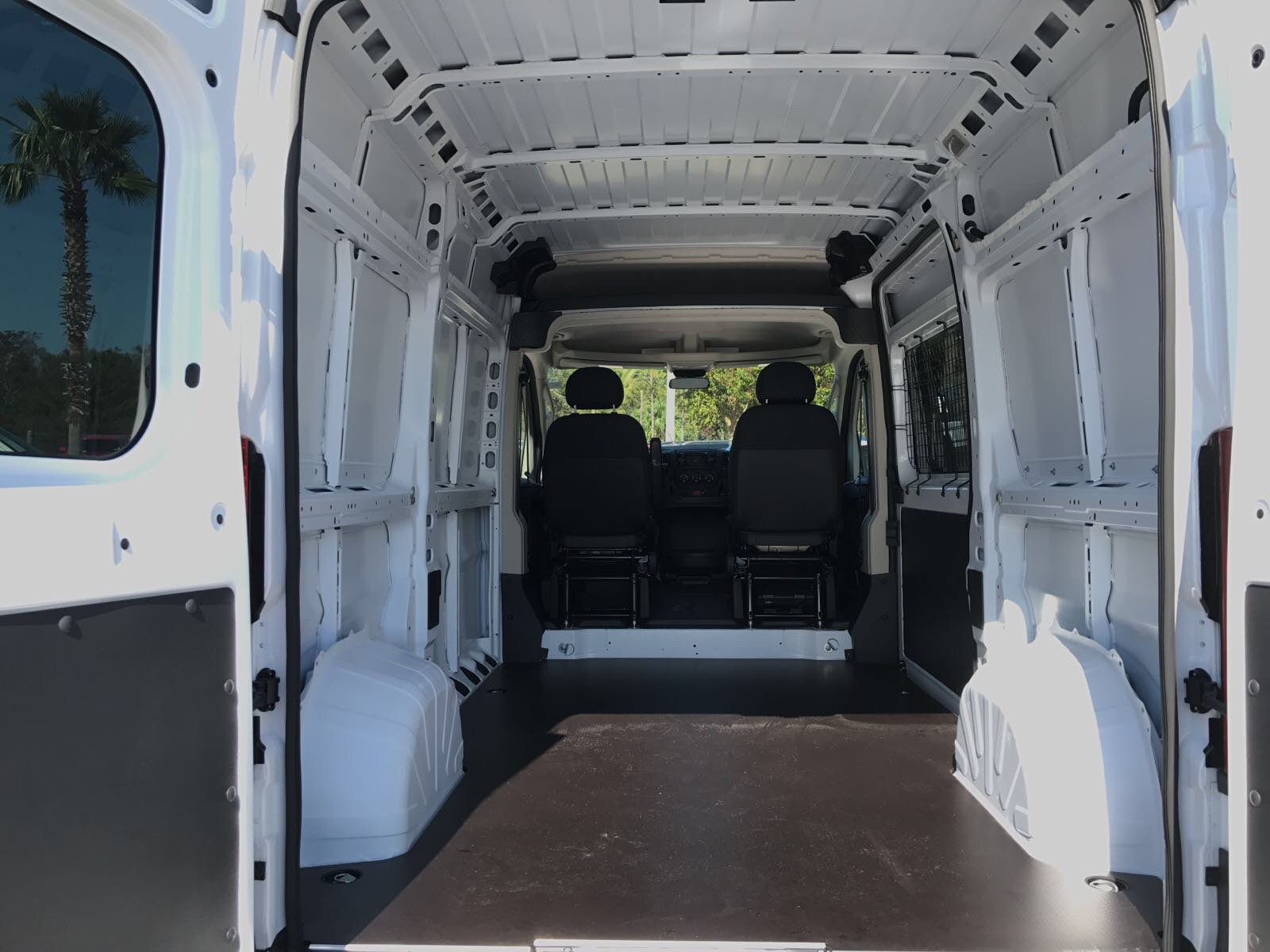 2018 ProMaster 1500 High Roof 4x2,  Empty Cargo Van #R18007 - photo 2