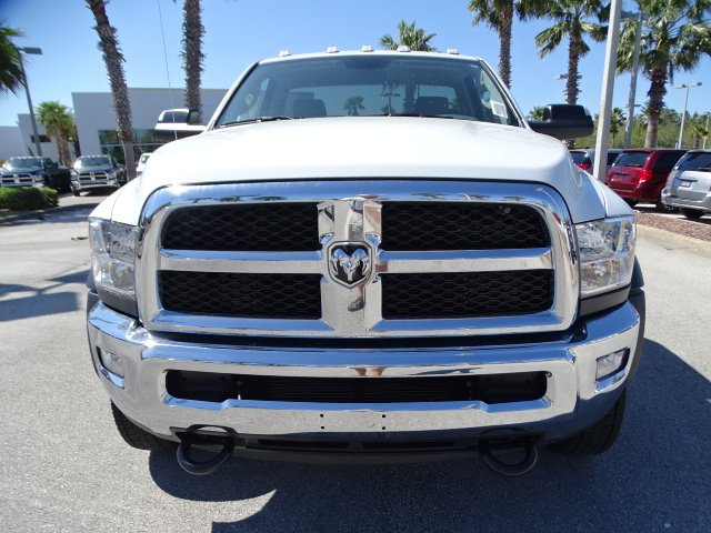 2018 Ram 5500 Regular Cab DRW, Cab Chassis #R18237 - photo 8