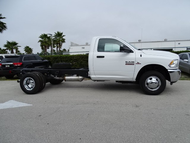2018 Ram 3500 Regular Cab DRW, Cab Chassis #R18245 - photo 4