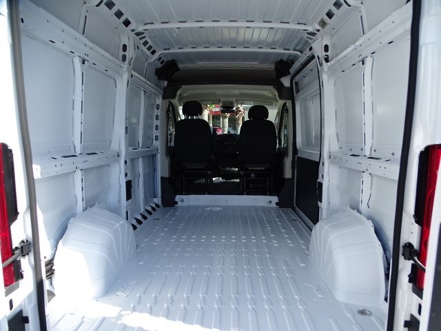 2018 ProMaster 1500 High Roof 4x2,  Empty Cargo Van #R18373 - photo 2