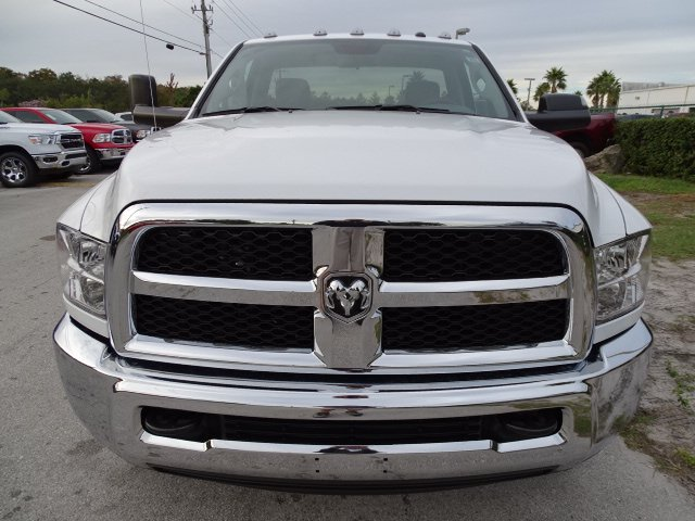 2018 Ram 3500 Regular Cab DRW 4x2,  Cab Chassis #R18615 - photo 7