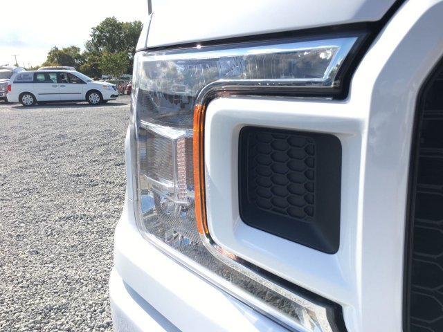 2018 F-150 Crew Cab 4x4 Pickup #J1211 - photo 8