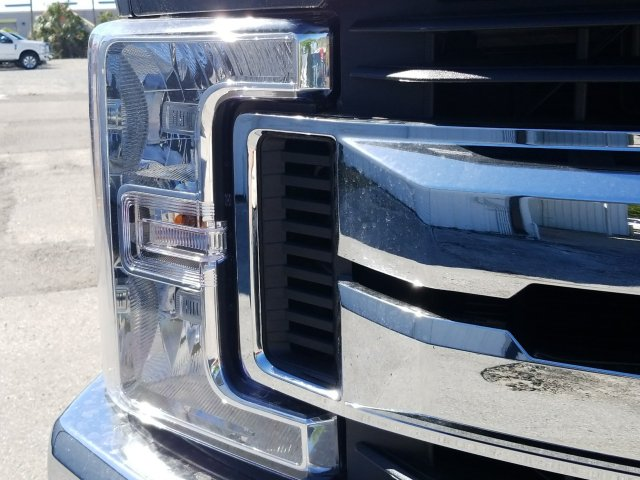 2018 F-250 Crew Cab 4x4, Pickup #J3761 - photo 7