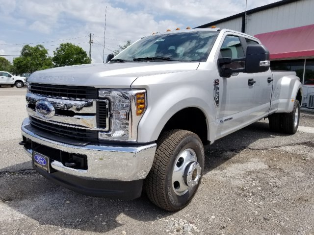 2018 F-350 Crew Cab DRW 4x4,  Pickup #J4124 - photo 6