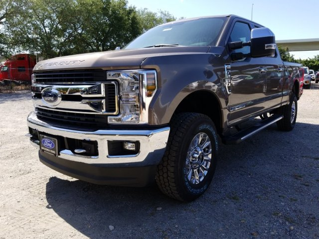 2018 F-250 Crew Cab 4x4, Pickup #J4189 - photo 5