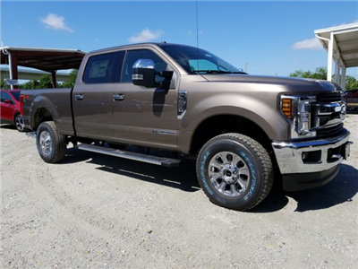 2018 F-250 Crew Cab 4x4, Pickup #J4189 - photo 7