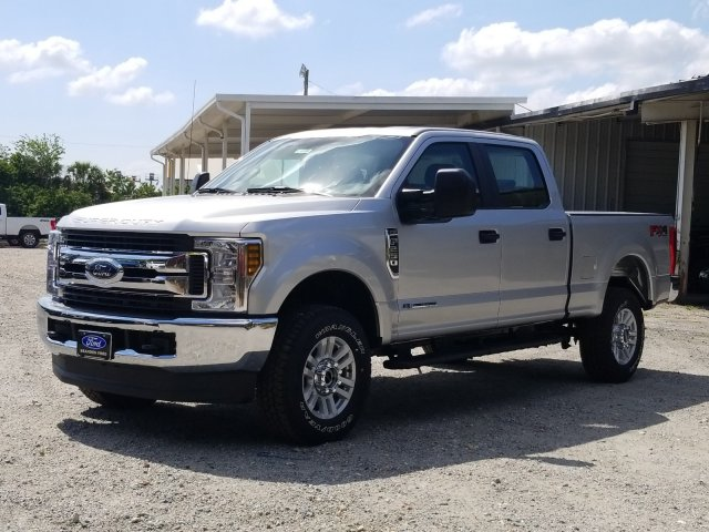 2018 F-250 Crew Cab 4x4,  Pickup #J4199 - photo 5