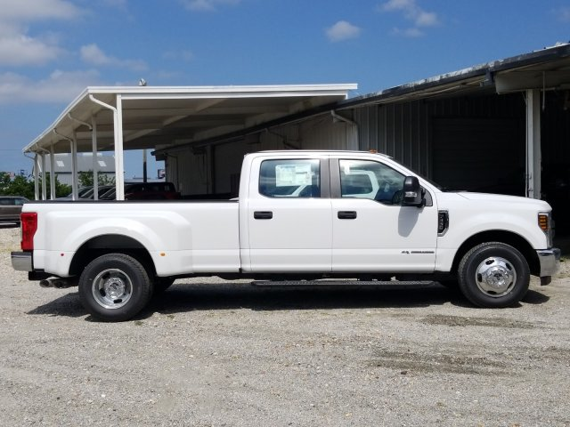 2018 F-350 Crew Cab DRW 4x2,  Pickup #J4544 - photo 26