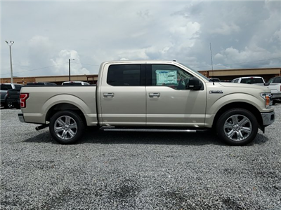 2018 F-150 SuperCrew Cab 4x2,  Pickup #J6459 - photo 31