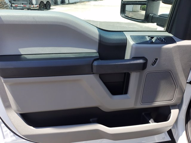 2020 Ford F-350 Regular Cab DRW RWD, Cab Chassis #L4049 - photo 12