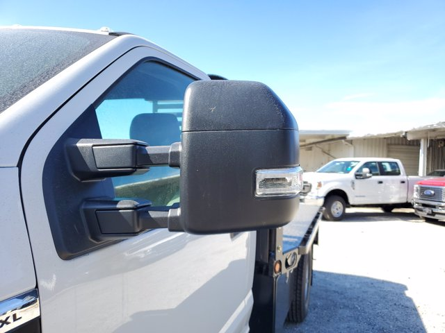 2020 Ford F-350 Regular Cab DRW RWD, Cab Chassis #L4049 - photo 6