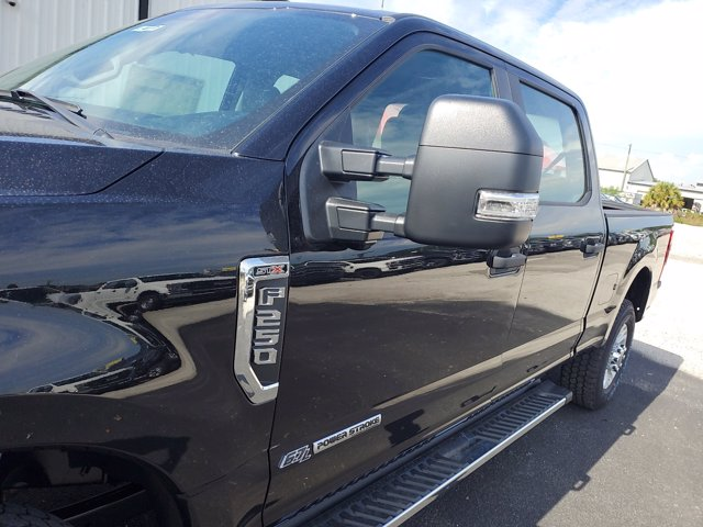 2020 Ford F-250 Crew Cab 4x4, Pickup #L4117 - photo 5
