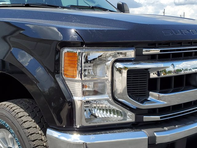 2020 Ford F-250 Crew Cab 4x4, Pickup #L4191 - photo 3