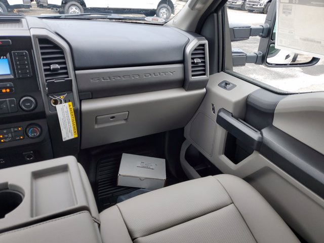 2020 Ford F-450 Crew Cab DRW 4x4, Cab Chassis #L4397 - photo 17