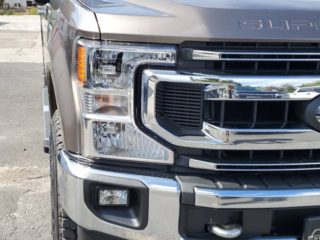 2020 Ford F-250 Crew Cab 4x4, Pickup #L6304 - photo 4