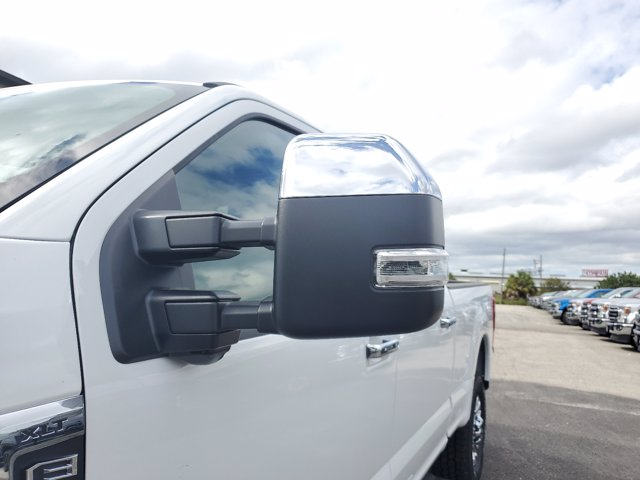 2020 Ford F-250 Crew Cab 4x4, Pickup #L6356 - photo 6