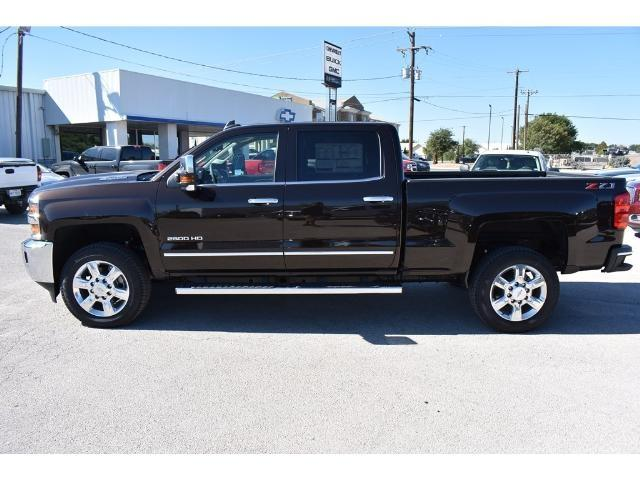 2018 Silverado 2500 Crew Cab 4x4 Pickup #C18080 - photo 3