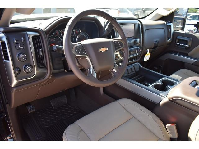 2018 Silverado 2500 Crew Cab 4x4 Pickup #C18080 - photo 23