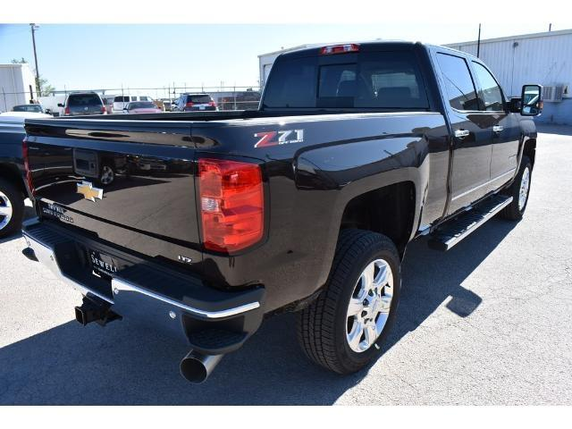 2018 Silverado 2500 Crew Cab 4x4 Pickup #C18080 - photo 4