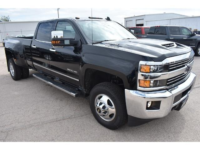 2018 Silverado 3500 Crew Cab 4x4 Pickup #C18086 - photo 5