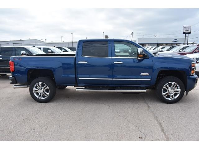 2018 Silverado 2500 Crew Cab 4x4 Pickup #C18087 - photo 17