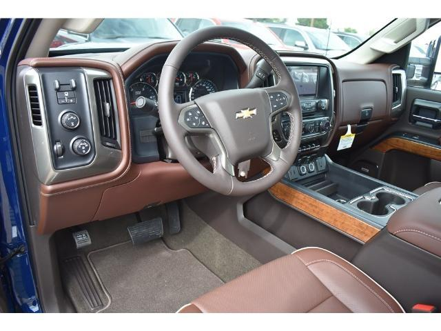2018 Silverado 2500 Crew Cab 4x4 Pickup #C18087 - photo 23