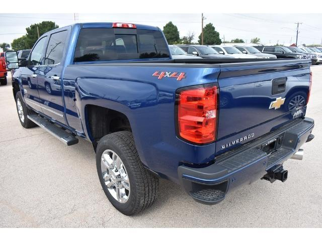 2018 Silverado 2500 Crew Cab 4x4 Pickup #C18087 - photo 2