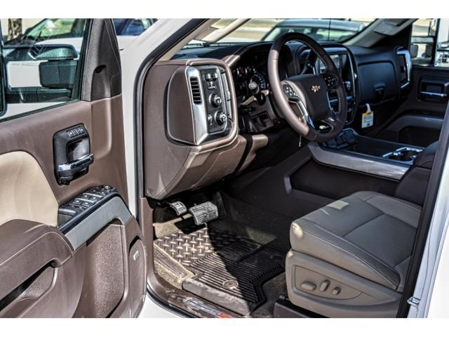 2018 Silverado 2500 Crew Cab 4x4, Pickup #C18338 - photo 18