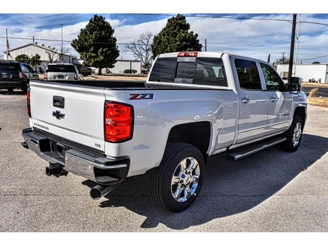 2018 Silverado 2500 Crew Cab 4x4, Pickup #C18338 - photo 4