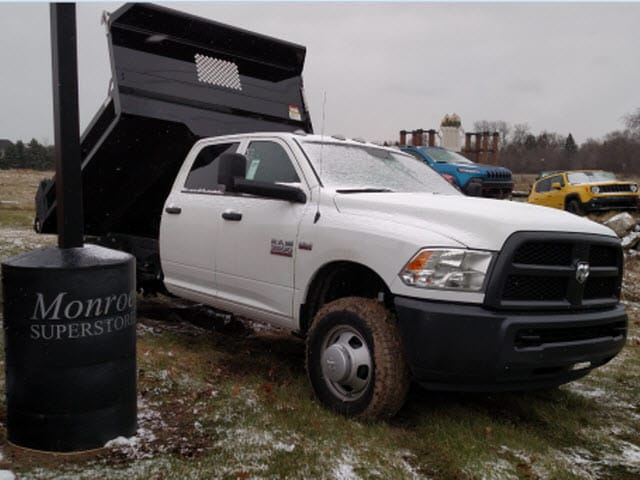 2017 Ram 3500 Crew Cab DRW 4x4, Dump Body #HG513422 - photo 14