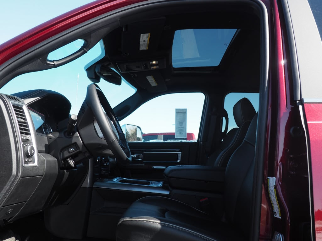 2017 Ram 3500 Crew Cab DRW 4x4 Pickup #HG596313 - photo 2