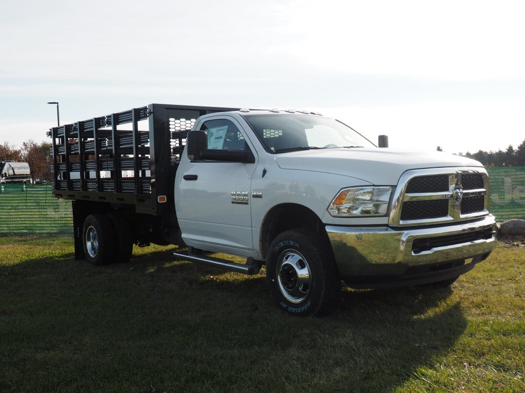 2018 Ram 3500 Regular Cab DRW 4x4 Cab Chassis #JG104635 - photo 3