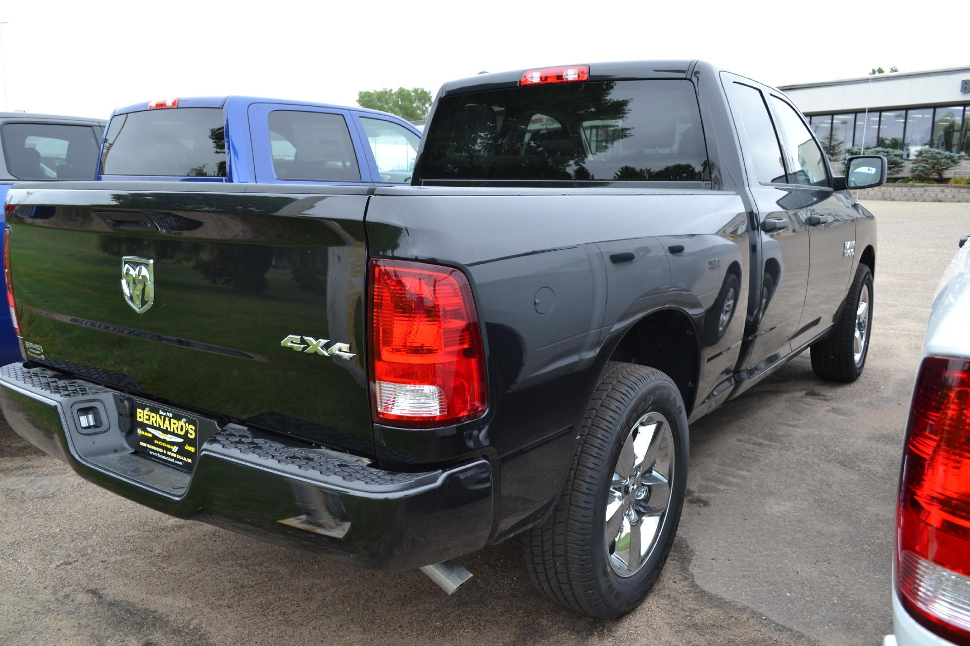 2018 Ram 1500 Quad Cab 4x4,  Pickup #18-927 - photo 5