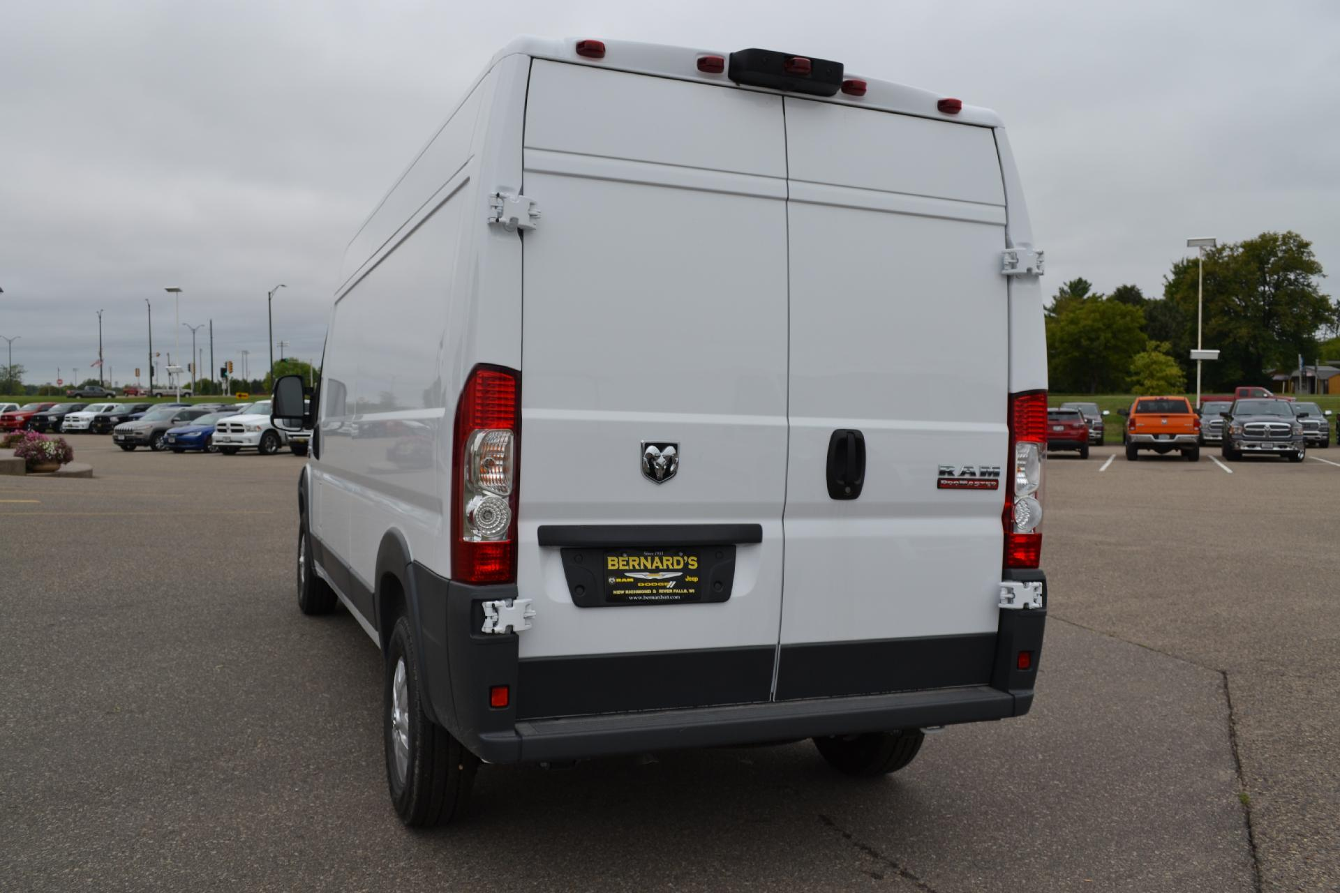 2018 ProMaster 2500 High Roof FWD,  Empty Cargo Van #18-938 - photo 5