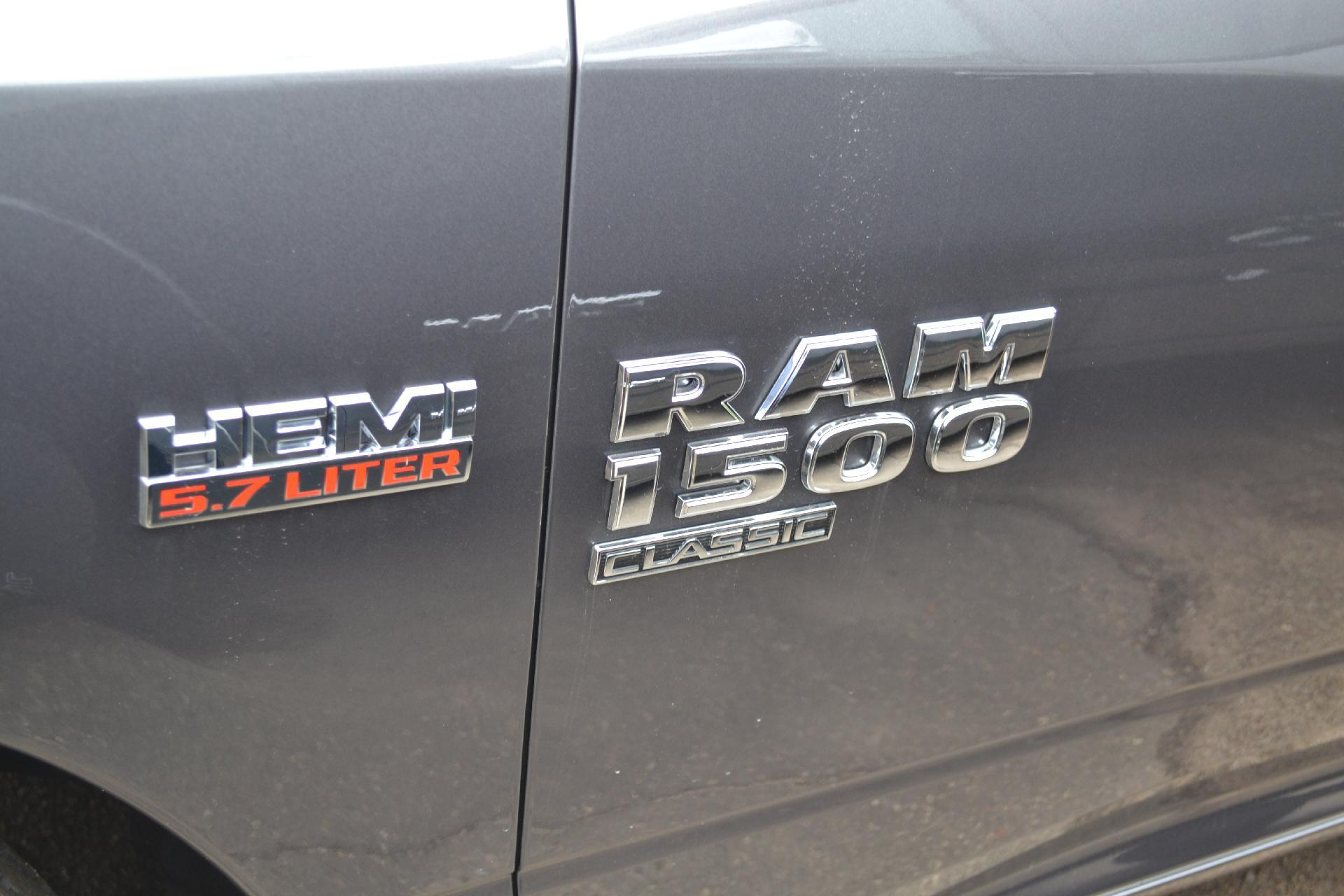 2019 Ram 1500 Crew Cab 4x4,  Pickup #19-198 - photo 5