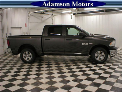 2017 Ram 1500 Crew Cab 4x4 Pickup #7210480 - photo 4