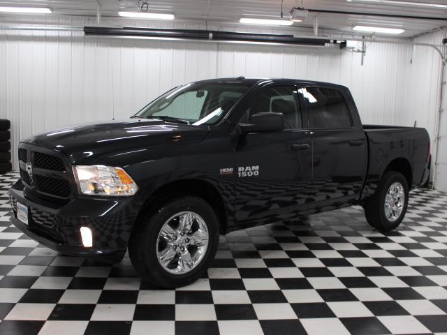2017 Ram 1500 Crew Cab 4x4 Pickup #7211900 - photo 1